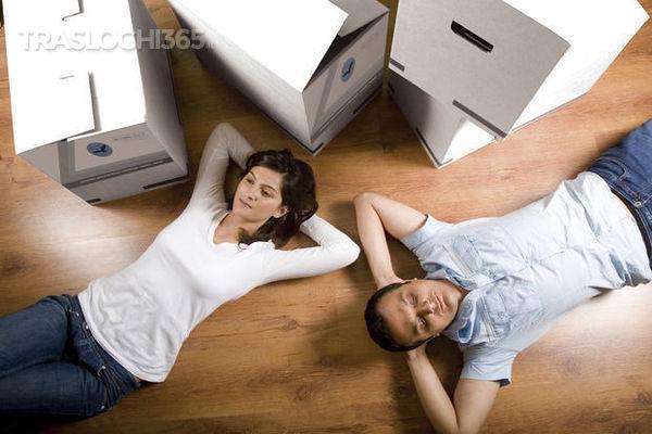 Smontare i mobili per il trasloco